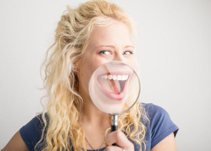 Kas geriau: estetinis plombavimas ar dantų laminatės?